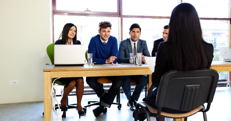 5 Common Mistakes People Make During Job Interviews